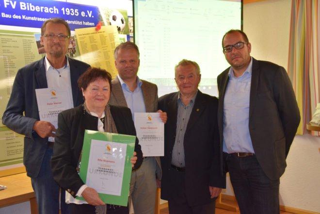 Rita Mosmann wurde mit der goldenen Verbandsehrennadel ausgezeichnet