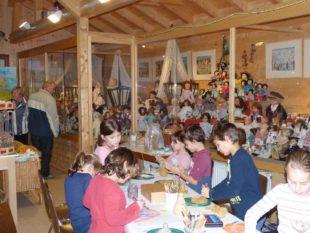 Viele kleine Besucher malten und tonten