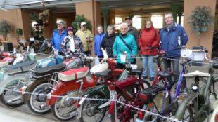 Dienstagswanderer besuchten das Motorrad- und Spielzeugmuseum