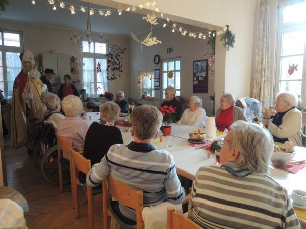 Freude für die Gäste in der Tagespflege der Sozialstation St. Raphael