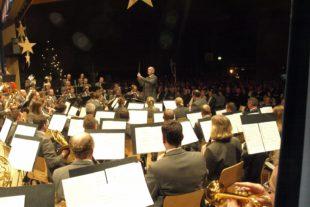 Miliz- und Trachtenkapelle Oberharmersbach bot außergewöhnliches Weihnachtskonzert