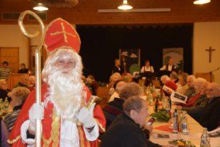 Stubenmusik, Kindergarten und  Nikolaus beim Altenwerk Nordrach
