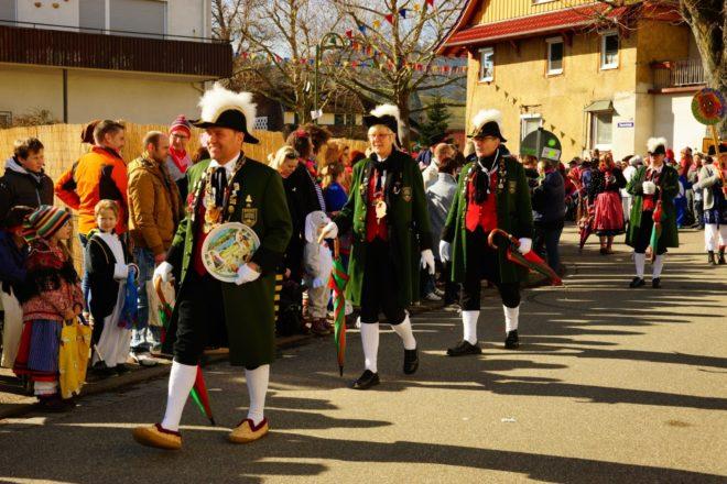 Am Fasentsomschdig wurde Bibere zur Narrenhochburg im Kinzigtal
