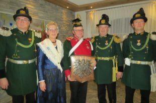 Zeller Bürgerwehr gratuliert Fridolin Schwendemann zum 65. Geburtstag