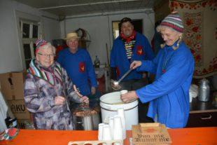 Fünf Familien versorgten die Narren mit der beliebten Oberdörfler Narrensuppe