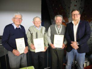 Die Alpenvereins-Ortsgruppe Nordrach ernennt drei Mitglieder zu Ehrenmitgliedern