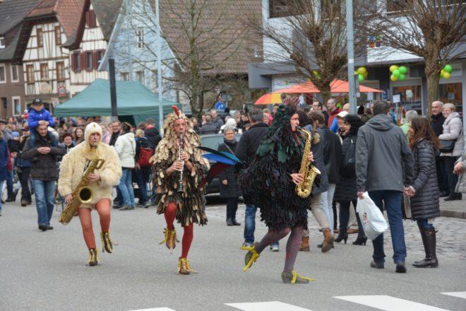 Musikalischer Hühnerhaufen sorgte beim Frühlingsfest für viel Spaß