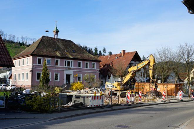 Haus Schilli abgerissen: Erster Schritt zu einem neuen Dorfplatz