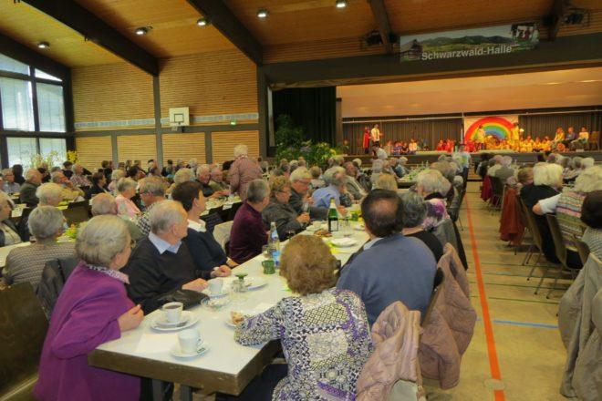 Seniorennachmittag der Stadt Zell mit vierhundert Gästen