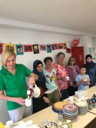 Im »Café International« begegnen sich Flüchtlinge und Einheimische