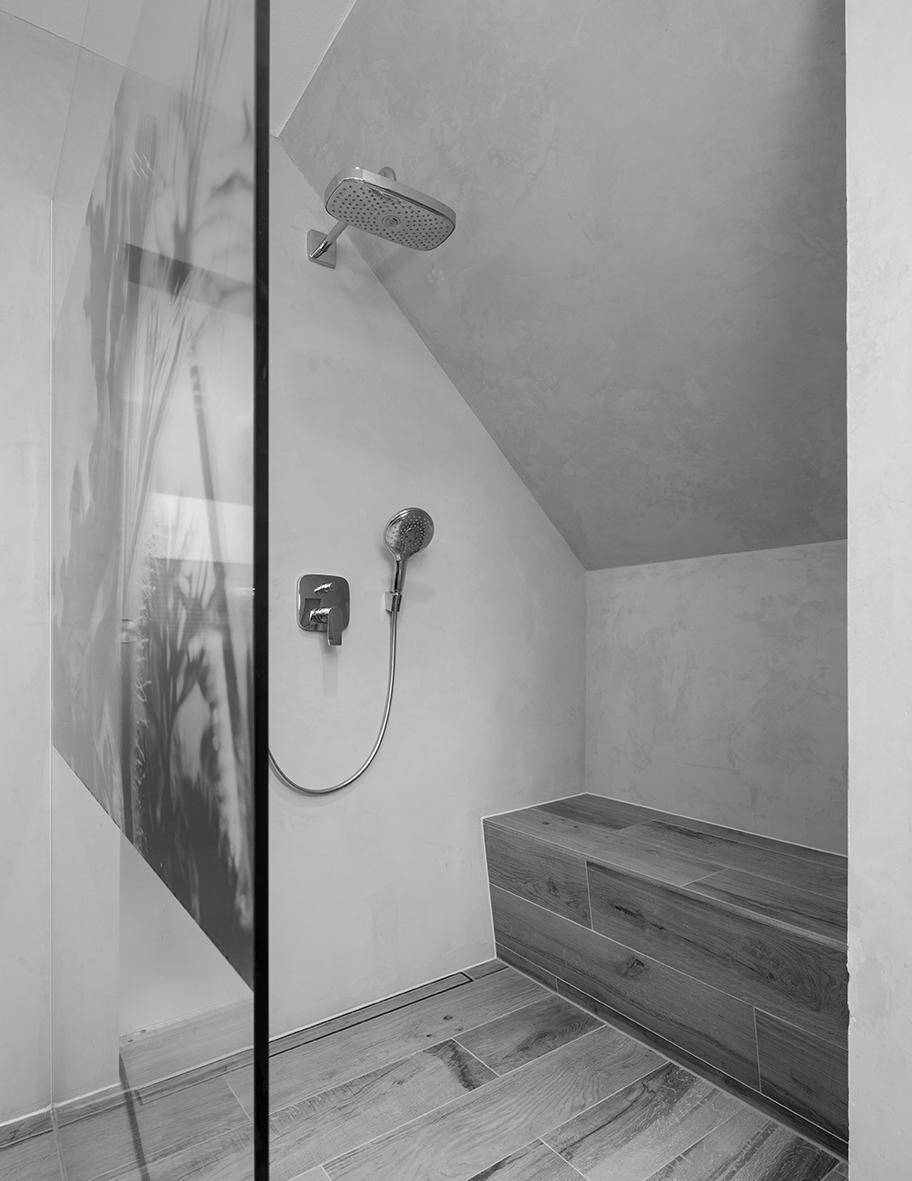 Ein Badezimmer Im Dachgeschoss Kann Toll Sein. Doch Aufgrund Des Besonderen  Grundrisses Muss Man Es Ganz Genau Planen.