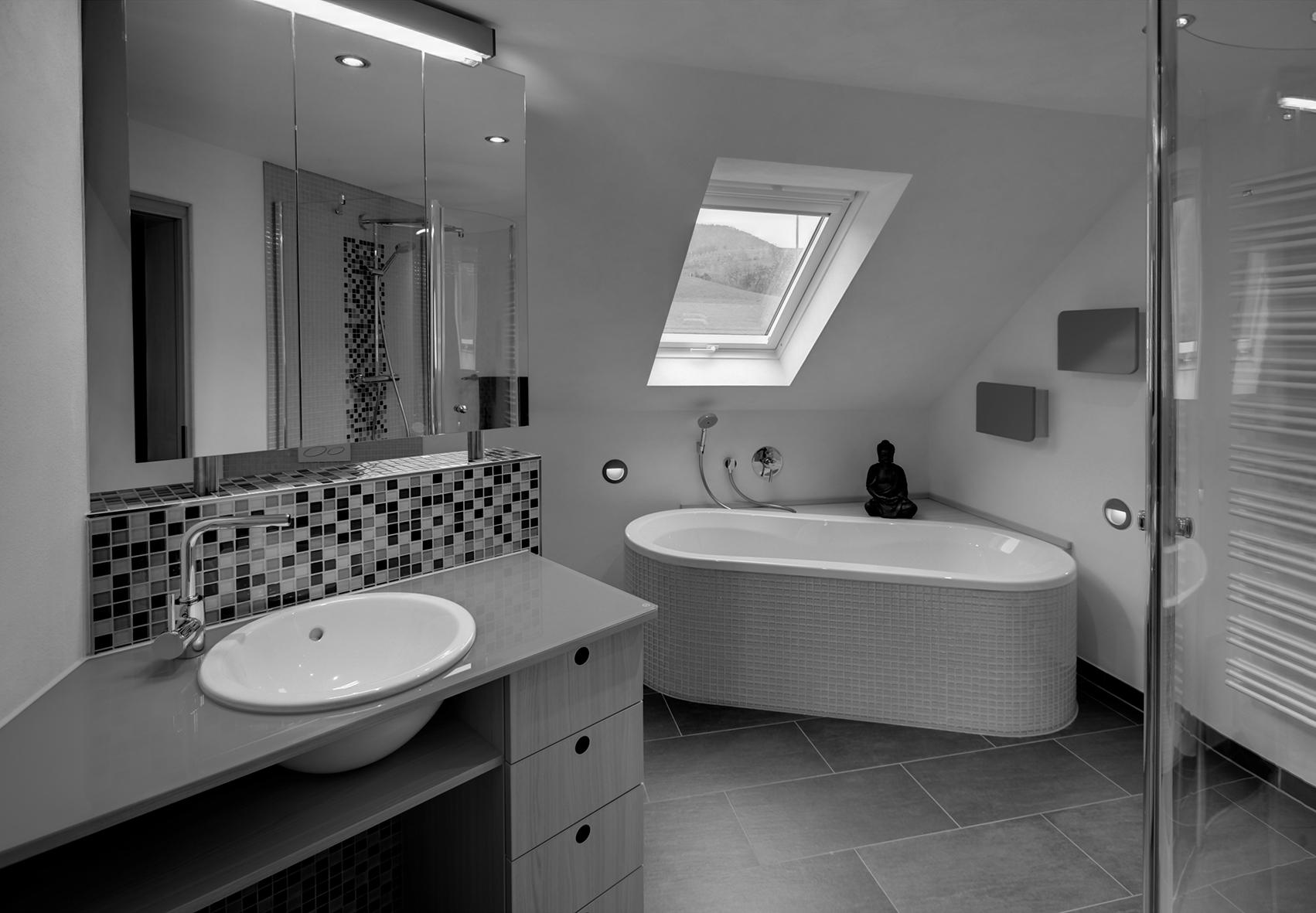Ein Bad unterm Dach planen | Schwarzwälder Post
