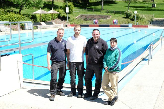Badehosen ausgepackt – Tanja Marquardt verstärkt das Schwimmbad-Team in Biberach