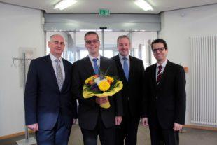 Volksbank ehrt Mathias Hertwig für langjährige Treue