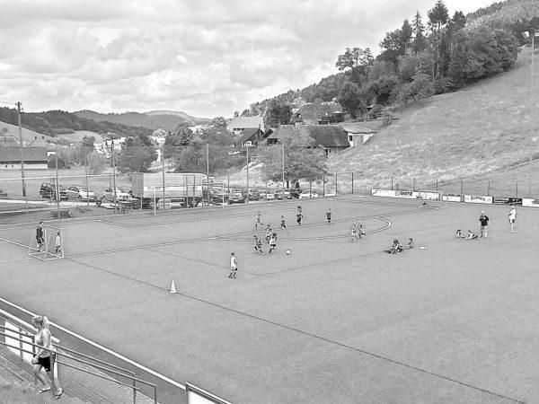 Dorfmeisterschaften mit Fußball und Völkerball