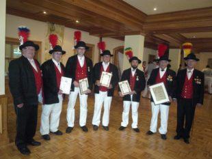 Bürgerwehr Oberharmersbach ehrt langjährige Vereinsmitglieder