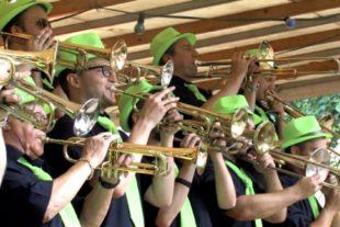 Rekordbesuch beim Guggenmusik-Open-Air