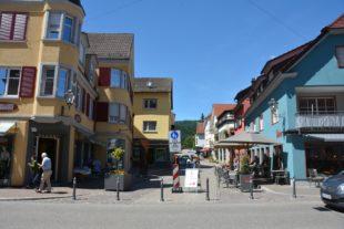 Die »Fußgängerzone Kirchstraße« sorgt im Zeller Städtle für reichlich Gesprächsstoff