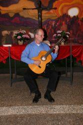 Sonnige Gitarrenklänge zum  Auftakt der Zeller Sommermusik