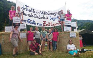 Kinder wanderten auf dem Vesperweg und feierten auf dem neugestalteten Schulhof