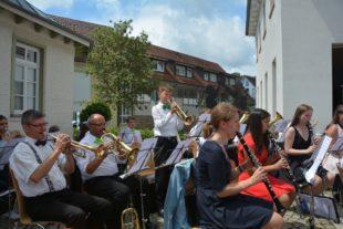 Stadtkapelle tanzte musikalisch in den Sommer