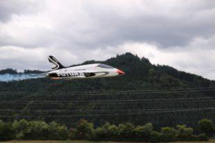 50 Modellpiloten kamen mit ihren »fliegenden Kisten« zum großen Freundschaftsfliegen