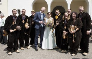 Große Gratulationscour für  Tanja Benz und Wendelin Jehle