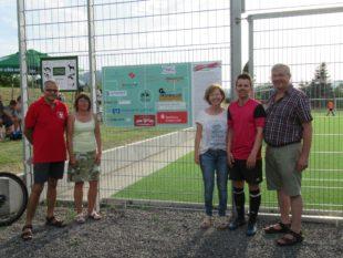 Sponsorentafel bei Fußball-Dorfmeisterschaft enthüllt