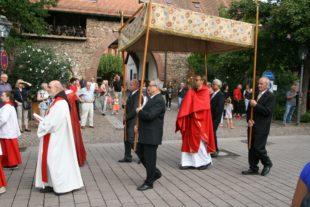 Patron St. Symphorian steht für Treue zum Glauben