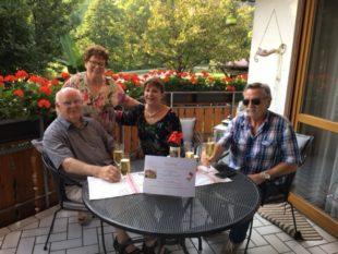 Treue Feriengäste im Haus »Rose« für den zehnten Aufenthalt geehrt
