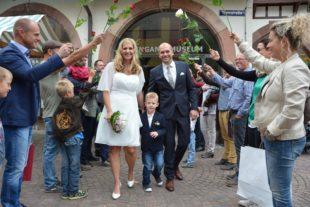 Bernd und Alexandra Ruff schlossen im Storchenturm-Foyer den Ehebund