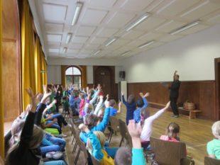 Autorenlesung an den Grundschulen in Unterharmersbach und Nordrach begeisterte die jungen Leser