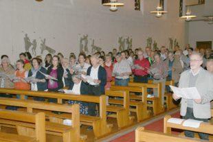 Kirchenchöre erschließen neues Gesangbuch