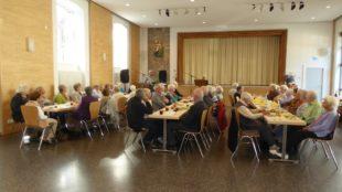 Rosenkranzgebet und unterhaltsames Herbstfest