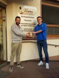 Metzgerei Rose spendet Spielball an den ASV