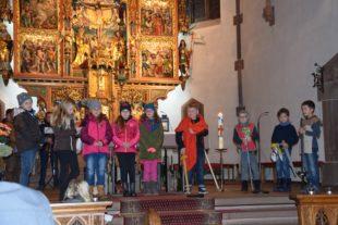 Mit Worten, Spiel und Musik wurde das Vorbild Sankt Martin gefeiert