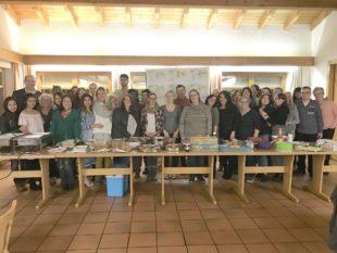 Ein internationales Buffet von und mit den Mitarbeitern