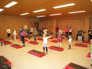 Bei Sport, Spaß und Spiel gemeinsam in Bewegung