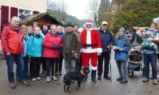 Entersbacher Wanderer besuchten den Weihnachtsmann in seiner Werkstatt