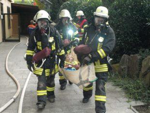Vier Arbeiter und das »Soziale Netzwerk« mussten gerettet werden