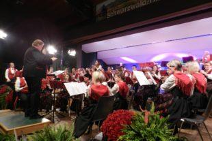 Gelungene Premiere der Musikkapelle Unterharmersbach im »Studio Schwarzwaldhalle«