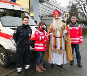 Nikolaus spendet an »Helfer vor Ort«