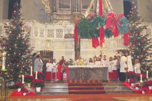 Feierliche Christmette an Heilig Abend in der Pfarrkirche