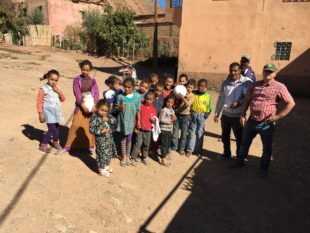 Transsahara-Rallye kombiniert mit Hilfsprojekt