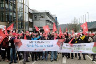 Warnstreikwelle der IG Metall erreichte am Montag Zell am Harmersbach
