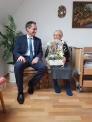 Elvira Befort feiert 90. Geburtstag