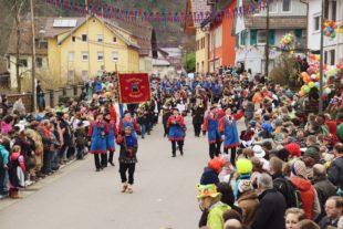 Prächtiges Narrenfest mit 48 Zünften und tausenden Besuchern