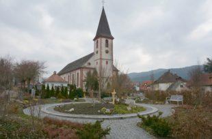 Gärtnergepflegtes Grabfeld auf dem Zeller Friedhof wird erweitert