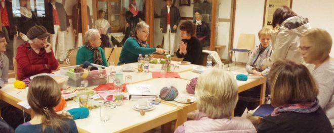 Handarbeitsnachmittag des Sozialen Netzwerk Oberharmersbach