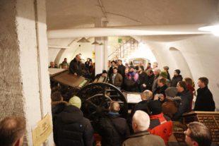 Zimmerer und Planer besichtigten die historische Druckerei